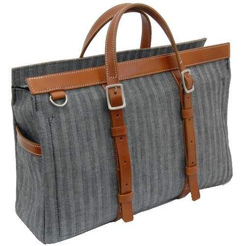 おしゃれなビジネスバッグを持つ大人は一味違う。素材と製法にこだわったブランドのバッグに手を伸ばす 3番目の画像