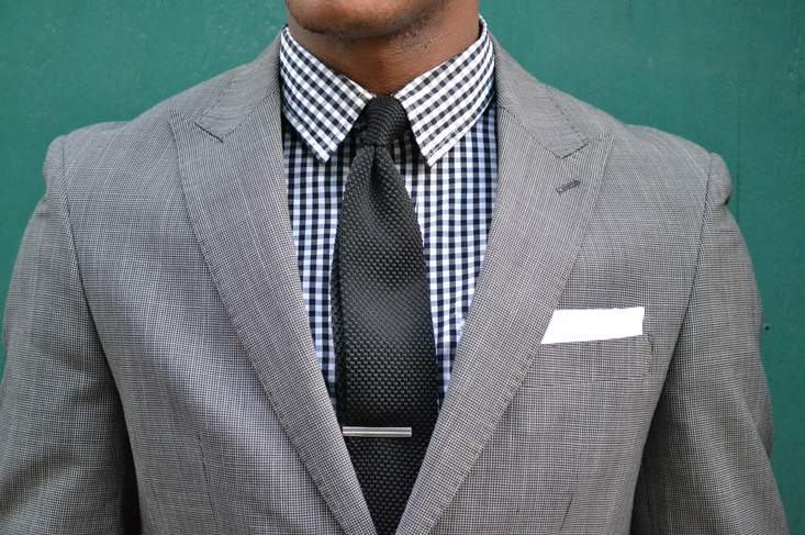 服装のチョイスから商談は始まっている。信頼感を得るには、どのような服装で臨むのがベストか? 2番目の画像
