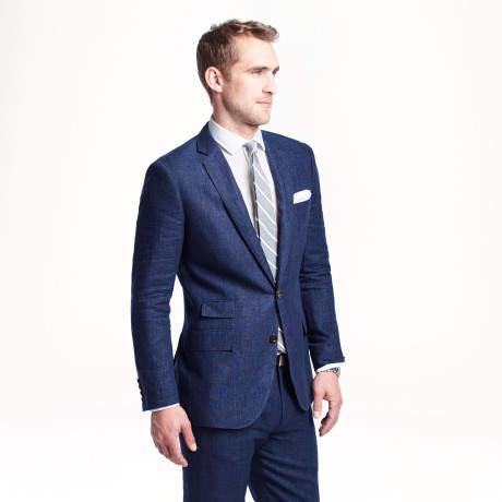 服装のチョイスから商談は始まっている。信頼感を得るには、どのような服装で臨むのがベストか? 4番目の画像
