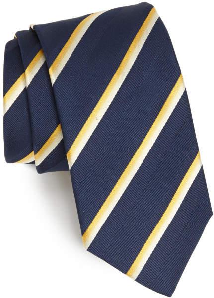 春の流行色を取り入れたストライプ柄のネクタイに挑戦。今っぽさを意識したVゾーンで周りに差をつける 3番目の画像
