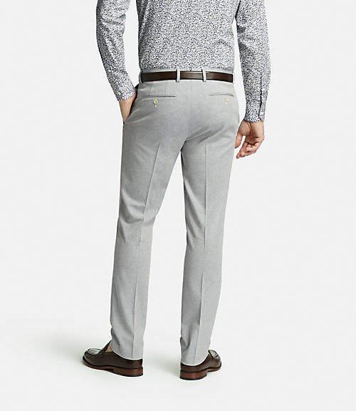 スーツスタイルのシルエットを美しく。サイズ感の合った「パンツ」選びには3つのルールが欠かせない 3番目の画像