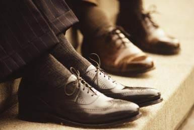 カッコいい着こなしは足元から。スーツに合わせる靴下はどういったものがベスト? 3番目の画像