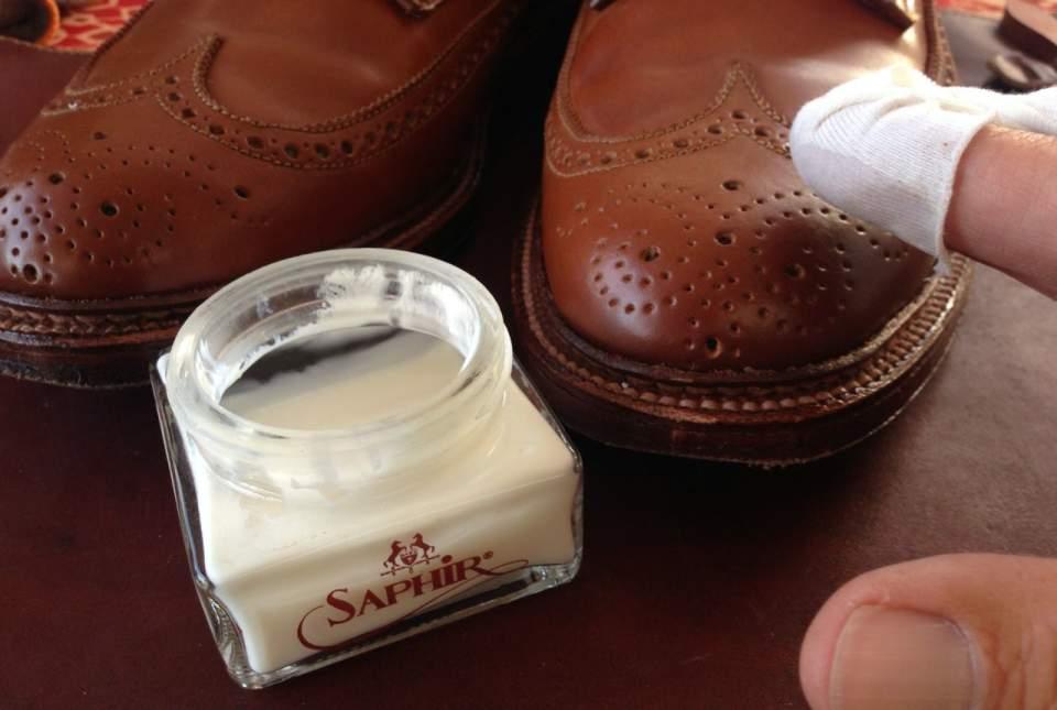 今日から始める靴磨き。革靴の磨き方は4つのステップを踏めば、簡単にできる! 3番目の画像