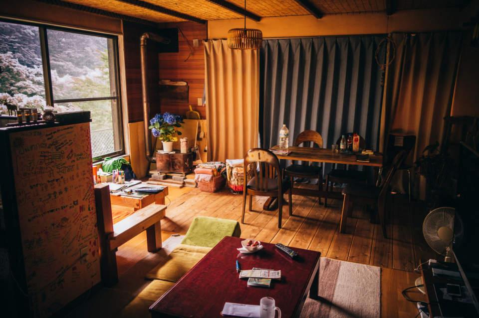 あなたの部屋は配置や小物でガラッと変わる。シンプルだけど奥が深い模様替えのコツ 1番目の画像