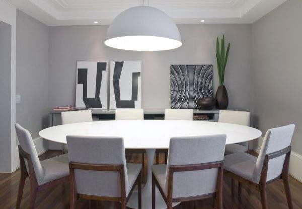 部屋を広く、柔らかに表現する円形の魅力。丸テーブルを用いた、実用的でお洒落なインテリア事例4選 1番目の画像