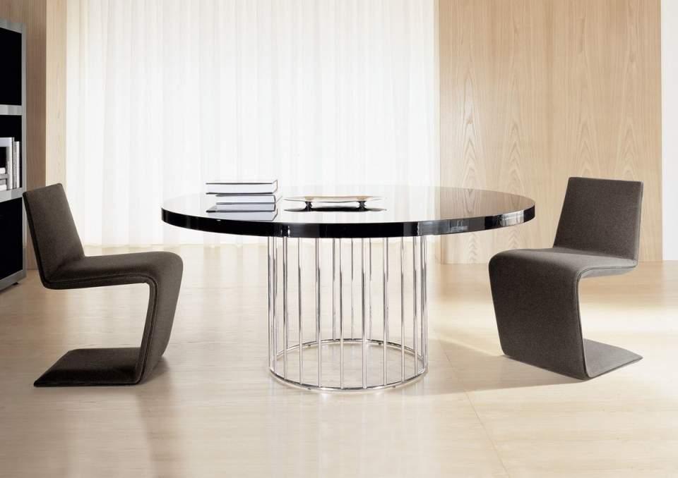 部屋を広く、柔らかに表現する円形の魅力。丸テーブルを用いた、実用的でお洒落なインテリア事例4選 5番目の画像