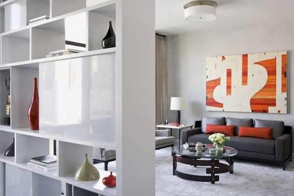 窮屈さとは無縁の、快適な部屋作りを支える間仕切り。パーテーションを用いた空間活用実例3選 2番目の画像