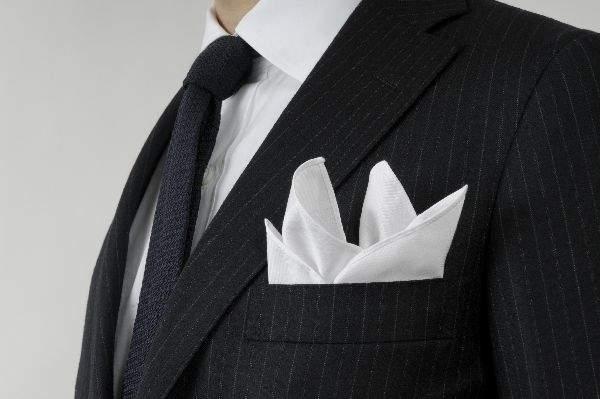 結婚式の二次会に参加する際のベストな服装は? 意外と悩みがちな問題も基礎を知れば、怖くない! 5番目の画像