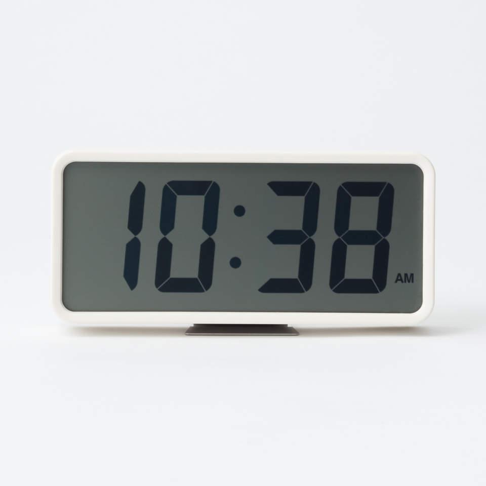 洗練されたシンプルさと高い機能性。インテリアと調和する無印良品の掛け時計 1番目の画像