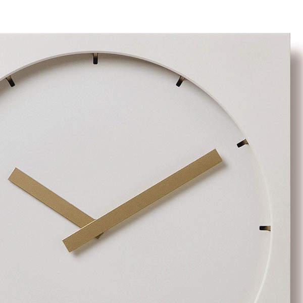 """洗練されたフォルムはまさに""""グッドデザイン""""。グッドデザイン賞を受賞したスタイリッシュな掛け時計 2番目の画像"""