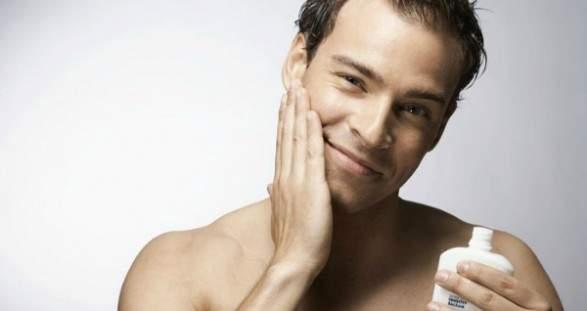 男性も「女性向け化粧品」を使うべき!? 肌のプロ・化粧品開発者がおしえる、正しい男のスキンケア 3番目の画像