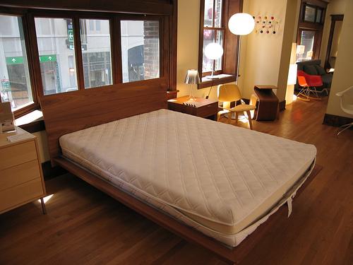 柔らかい羽根のようなベッドは身体に悪かった。快適な睡眠を取るためのマットレスの選び方 3番目の画像