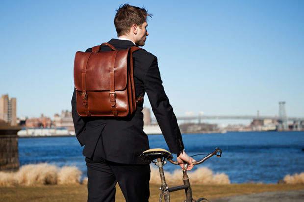 ビジネスバッグに新提案「リュック」。スーツ姿にフィットするおすすめリュック3選。 1番目の画像