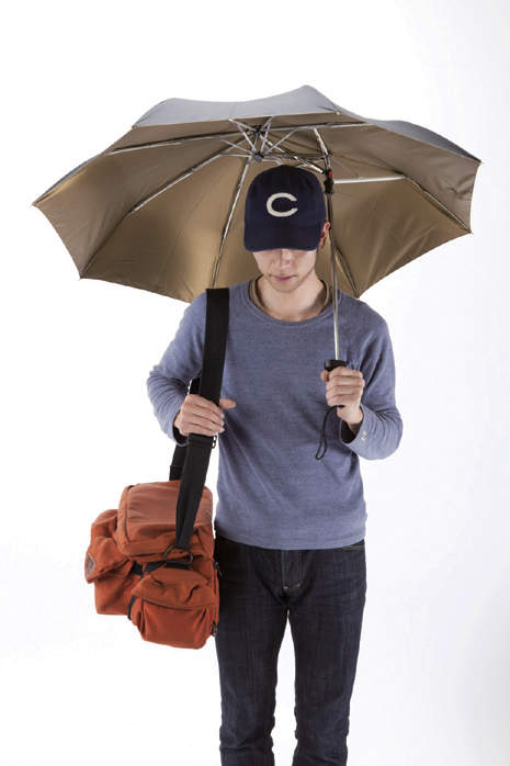 憂鬱な雨の日がちょっと待ち遠しくなる。個性的だけど機能性も忘れない「折りたたみ傘」3選 3番目の画像