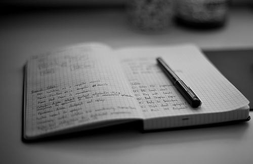 ジェントルマンのような高貴さ。どんなペンでも滑らかな書き心地が得られる「紳士なノート」 1番目の画像