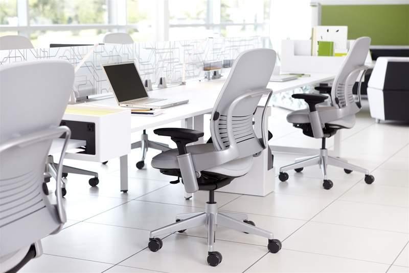 """リープチェアとは""""背骨を真似るチェア""""である。快適さを追求したオフィスチェアの魅力とは 1番目の画像"""