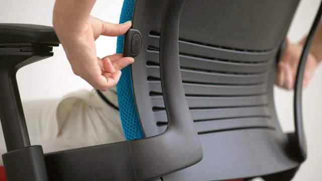 """リープチェアとは""""背骨を真似るチェア""""である。快適さを追求したオフィスチェアの魅力とは 3番目の画像"""