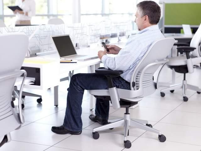 """リープチェアとは""""背骨を真似るチェア""""である。快適さを追求したオフィスチェアの魅力とは 7番目の画像"""