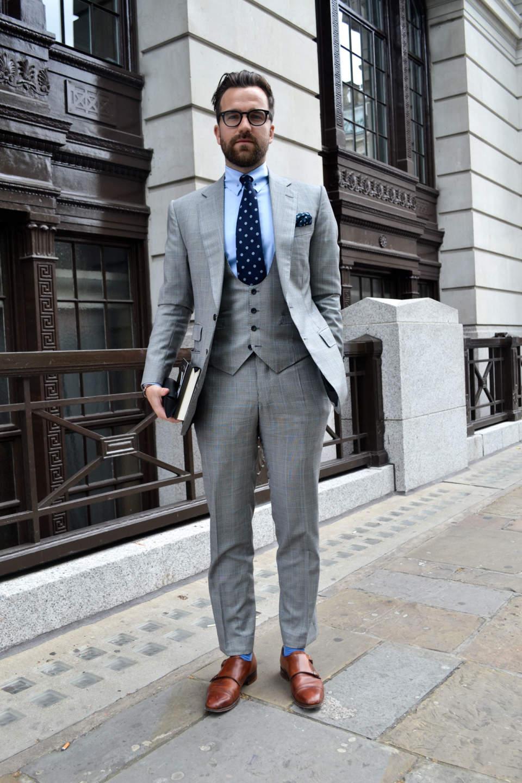 スーツのおしゃれな着こなし方って? 「おしゃれ」なスーツ着こなしの成功法を徹底解説 6番目の画像