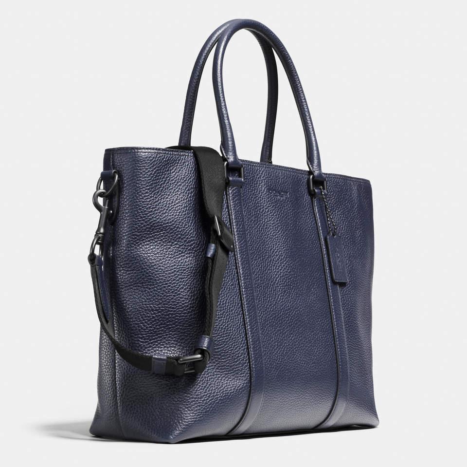 スーツに相性◎な「トートバッグ」5選:仕事のデキるお洒落ビジネスマンは、トートバッグで魅せる。 3番目の画像