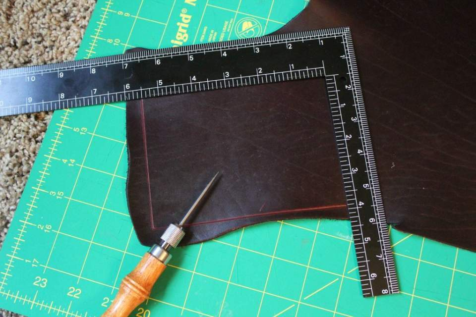 知る人ぞ知る革製品ブランド「アルズニ」:アルズニの財布が魅せるのは、最上級のこだわり。 1番目の画像