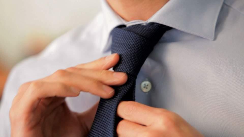 Vゾーンを左右する「ネクタイの結び方」:ワンランク上のおしゃれを目指すビジネスマン達へ 1番目の画像