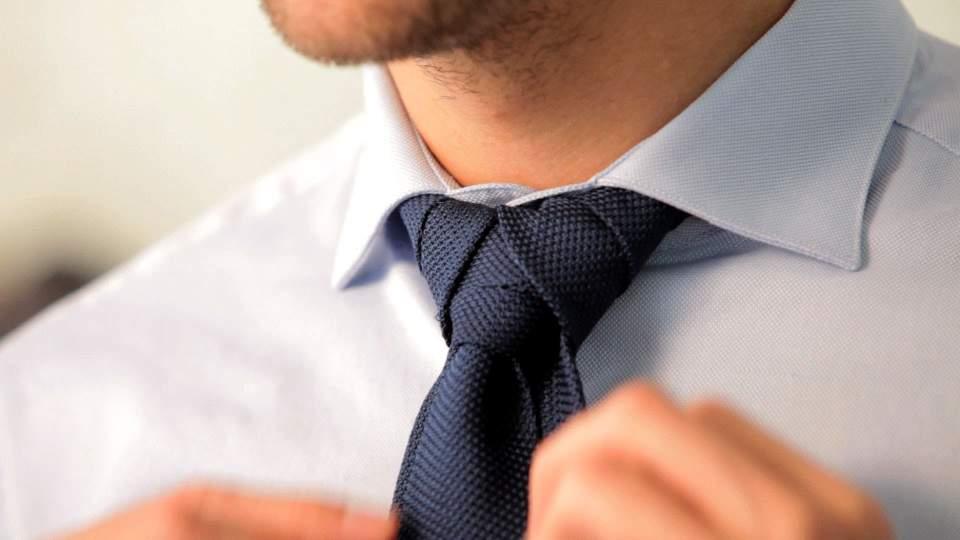 Vゾーンを左右する「ネクタイの結び方」:ワンランク上のおしゃれを目指すビジネスマン達へ 7番目の画像