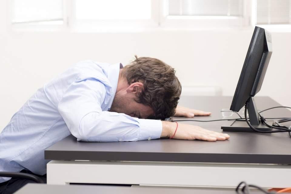 寝ても寝ても眠いのはあたりまえ! 疲れや眠気が取れないときに試してほしい改善策 1番目の画像