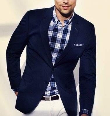 脱ブナン紺ジャケットしたい。無難すぎないおしゃれ紺ジャケット、教えます。 1番目の画像
