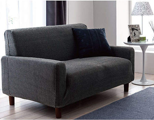 ソファーのデザインをおしゃれに変えるソファーカバーという存在。季節ごとにデザインを変えよう 5番目の画像
