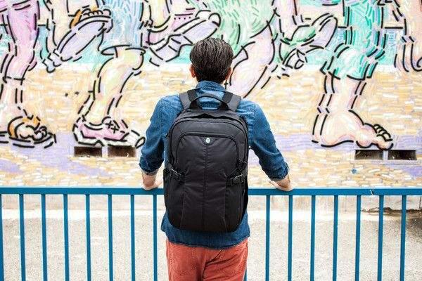 デイリーバッグにぴったりなおすすめリュックたち。お洒落リュックでオフファッションの後姿を彩ろう 1番目の画像