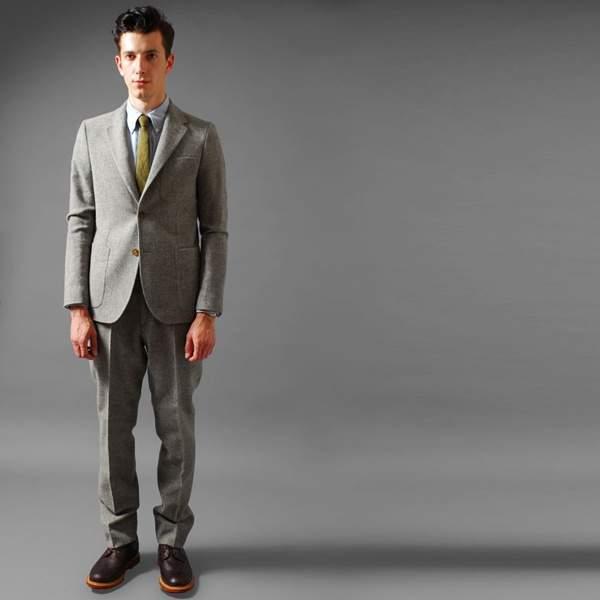 スーツの着まわし力がすごい。スーツ着まわし術でワンランク上のスタイルを確立 1番目の画像