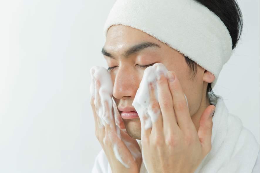 歯磨き後の「肌磨き」が21世紀の男磨き。男を格上げするスキンケアテク3選 6番目の画像