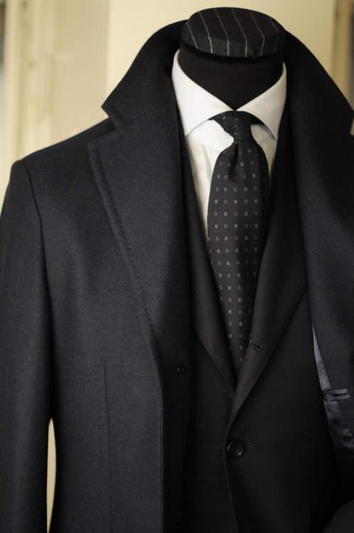 冬は冬らしいスーツスタイルを:日本中の紳士に捧ぐ〈Suit StyleBook Winter〉 2番目の画像