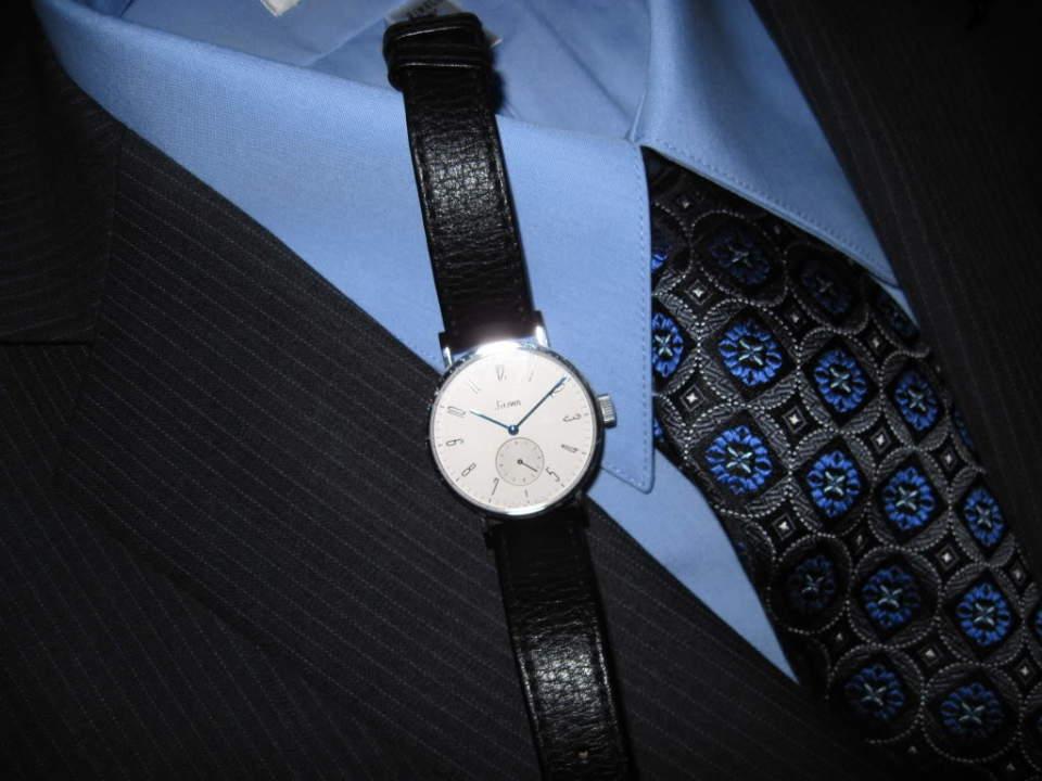 スーツでビシッとキメても油断は禁物。腕時計とスーツの「大人」な合わせ方。 2番目の画像