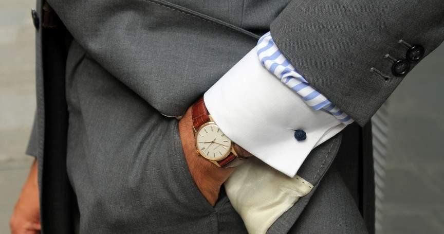 スーツでビシッとキメても油断は禁物。腕時計とスーツの「大人」な合わせ方。 1番目の画像