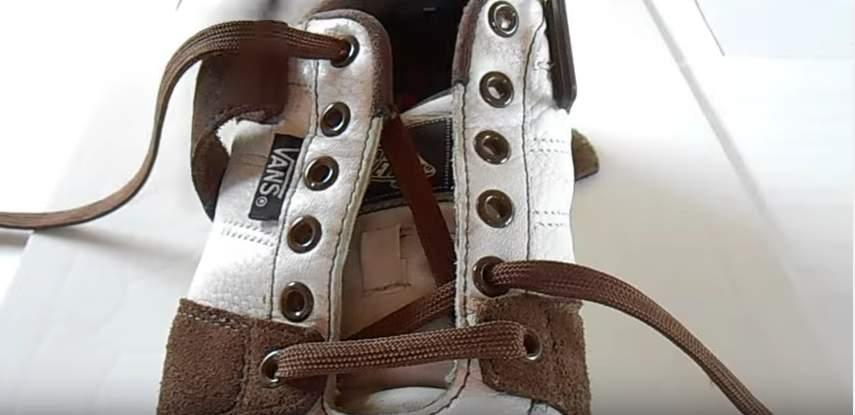 革靴の紐、買ったときの結び方のまま?シーン別ビジネスシューズの紐の結び方 3番目の画像