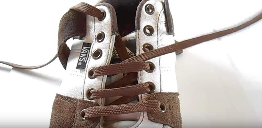 革靴の紐、買ったときの結び方のまま?シーン別ビジネスシューズの紐の結び方 4番目の画像