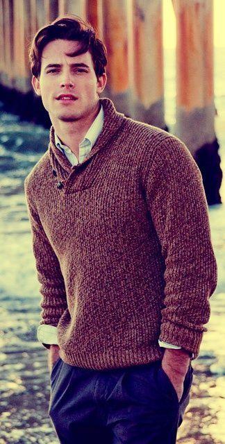 冬の定番セーター×シャツコーデを体得せよ! バリエーション豊かなセーターとシャツの組み合わせ集 5番目の画像