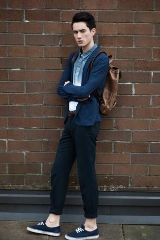 ネイビーカーディガンの着こなしを豊富にラインナップ! 清楚もカジュアルもこれ一枚で実現可能に。 2番目の画像