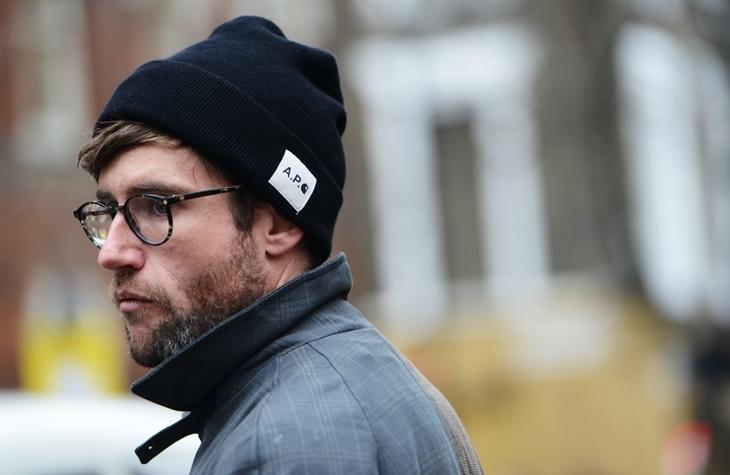 """""""メンズニット帽コーデ""""のすすめ 多様な顔を持つニット帽の着用で、どんなコーデも着こなし可能に 1番目の画像"""