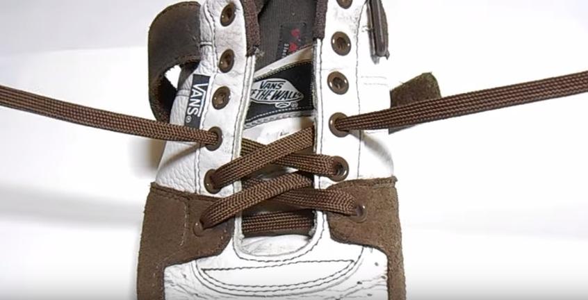 革靴の紐、買ったときの結び方のまま?シーン別ビジネスシューズの紐の結び方 14番目の画像