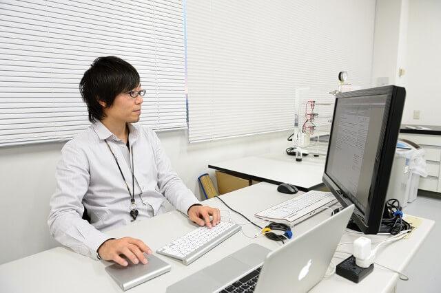 便を「茶色い宝石」と呼ぶ、腸内細菌の若き第一人者・福田真嗣:便データベースが作る「病気ゼロ社会」 1番目の画像