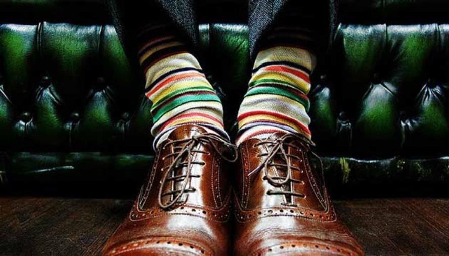 おしゃれメンズのこだわり「ハイセンス靴下コーデ」:シンプル・無難なコーデも、靴下一つで大変身! 1番目の画像