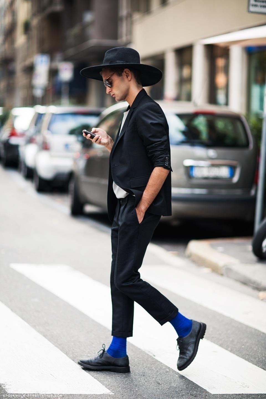 おしゃれメンズのこだわり「ハイセンス靴下コーデ」:シンプル・無難なコーデも、靴下一つで大変身! 4番目の画像
