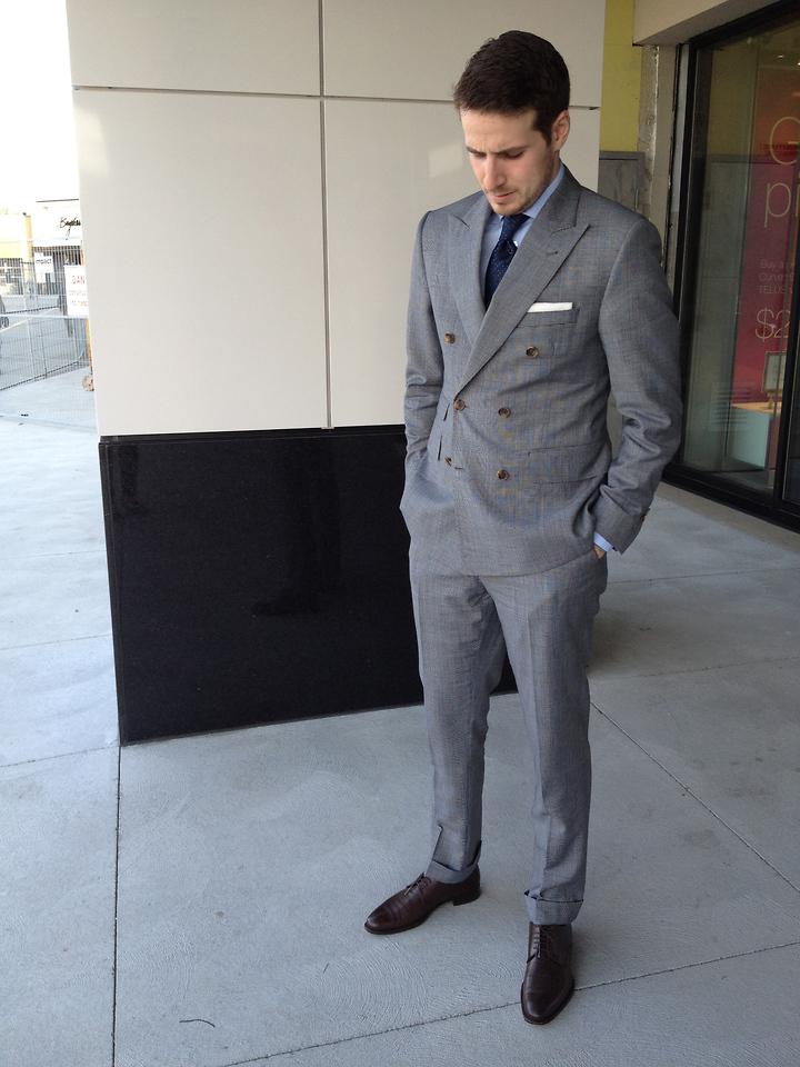 """ダブルスーツが実現する大人の品格:着こなしを抑えて""""ワンランク上""""のスーツスタイルを 5番目の画像"""