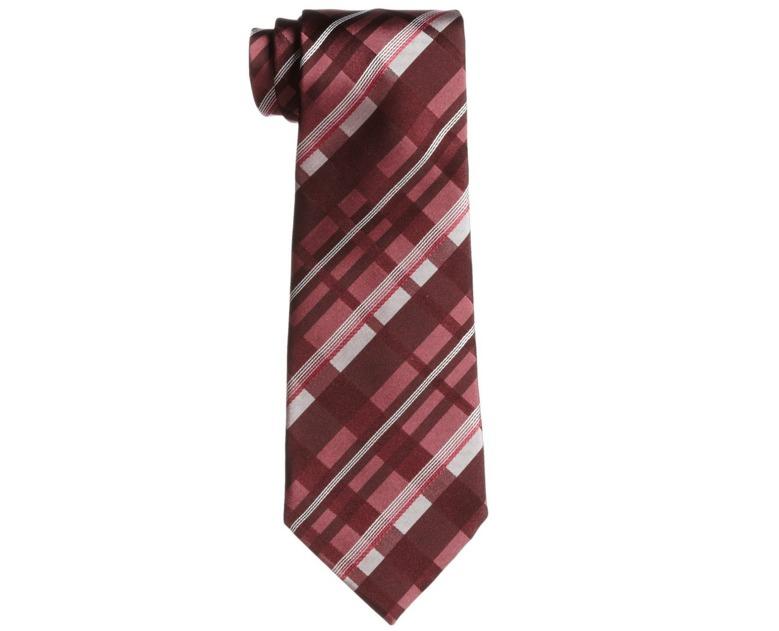 スーツにもネクタイでトレンドを:注目カラー「マルサラカラー」が今季のトレンドをかっさらう! 5番目の画像