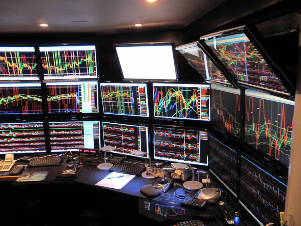 複数のチャートを使うのがおすすめ! FXの勝率を上げるためにテクニカル分析をしよう! 1番目の画像