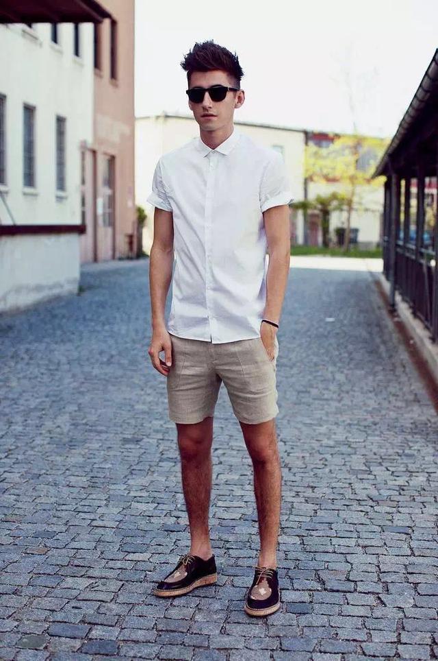 """メンズファッションの大黒柱、""""白シャツコーデ""""決定版:これからの季節には白シャツで爽やかに飾れ 15番目の画像"""