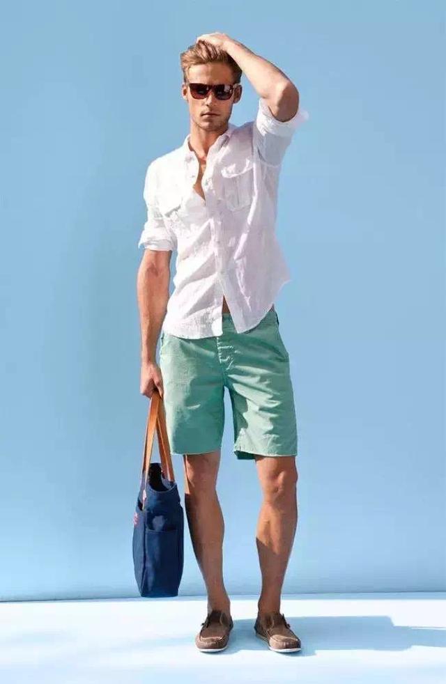 """メンズファッションの大黒柱、""""白シャツコーデ""""決定版:これからの季節には白シャツで爽やかに飾れ 16番目の画像"""